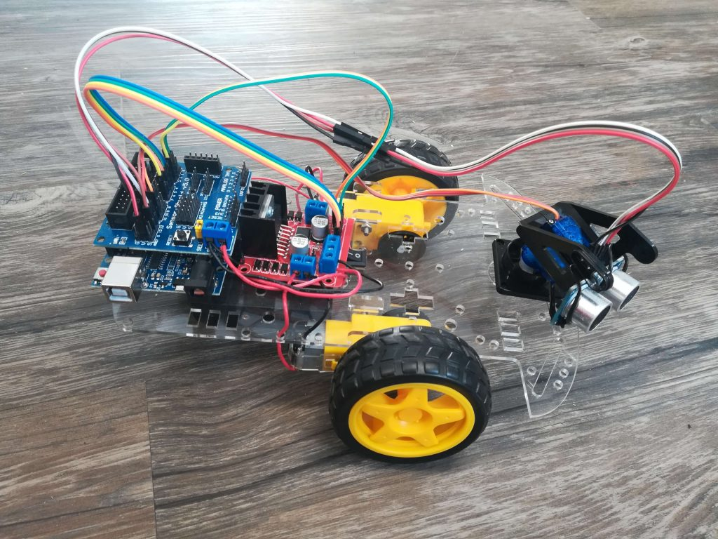 Building the Geekcreit® DIY L298N Autonomous Robot Car
